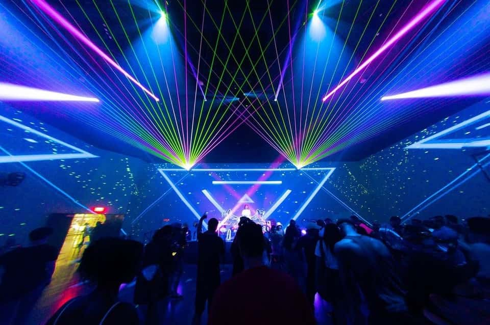 are las vegas clubs open