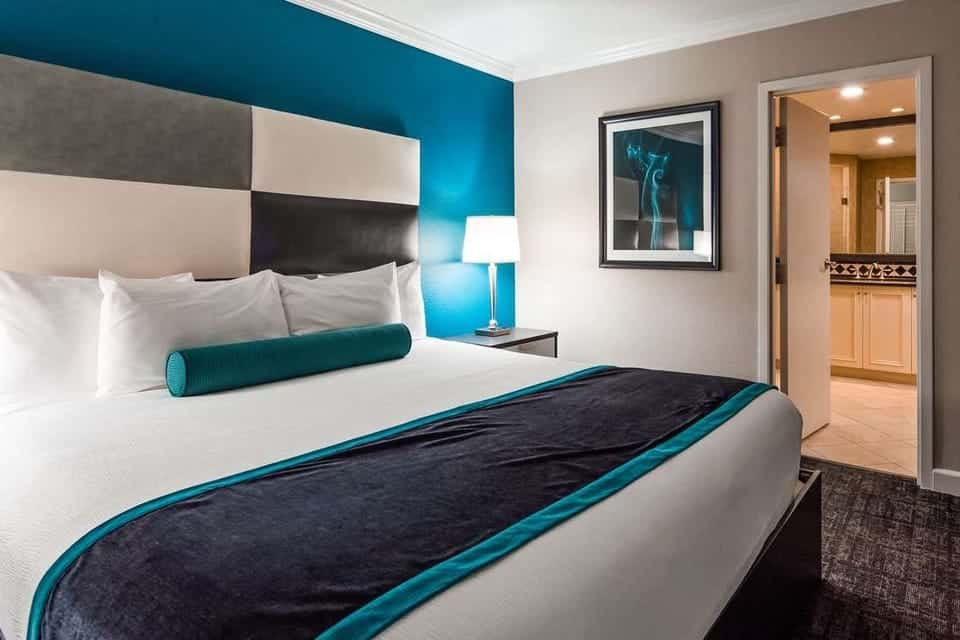 Las Vegas Hotels Without Resort Fees